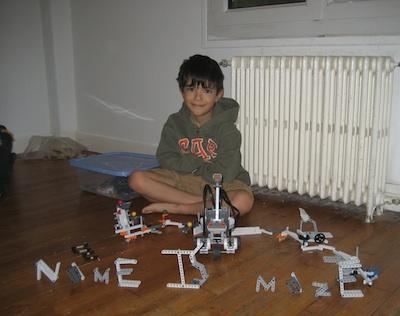 LEGO MINDSTORMS NXT 2.0 robot