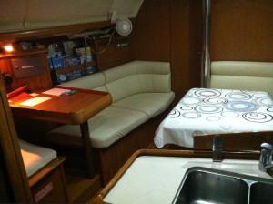 Jeanneau 37 cabin